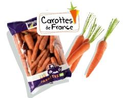 Sachet de carottes de 3 kg, calibre 20-40, accompagné du logo du label Carottes de France