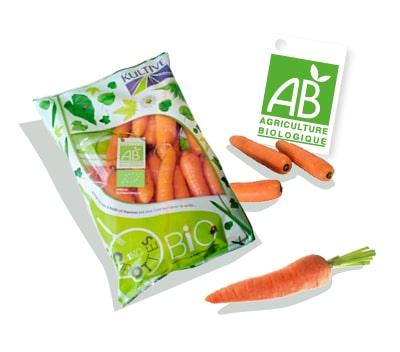 Sachet de carottes bio, accompagné du logo du label Agriculture Biologique
